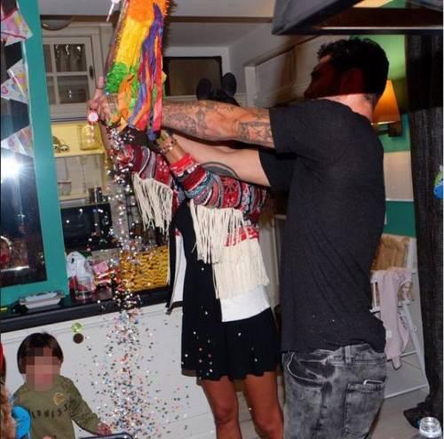 Belen e Stefano festeggiano i 2 anni di Santiago 6