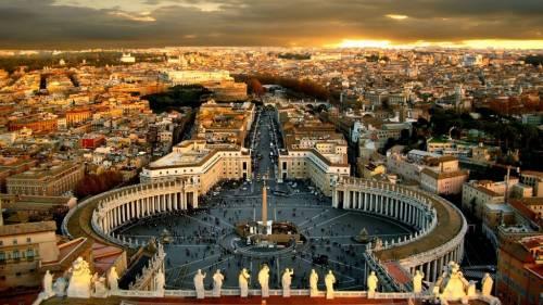 Dall'estorsione ai conti correnti congelati: lo scandalo Vaticano si allarga