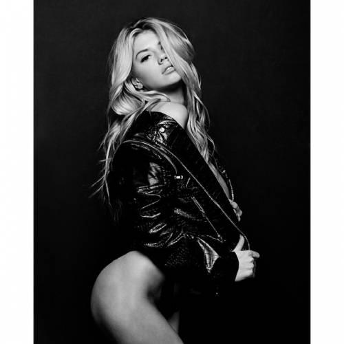 Charlotte McKinney: la nuova stella sexy di Instagram 6