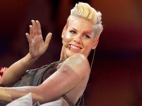 Pink risponde alle critiche sul suo peso 8