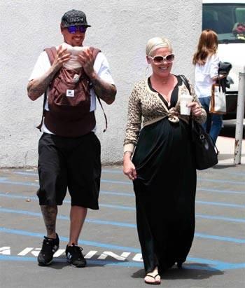 Pink risponde alle critiche sul suo peso 9