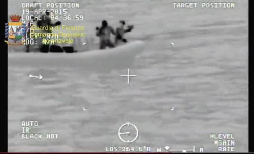 Tragedia nel Canale di Sicilia: le immagini dei soccorsi