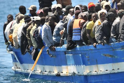 """I migranti: """"Chi ha la pelle più scura muore prima degli altri"""""""