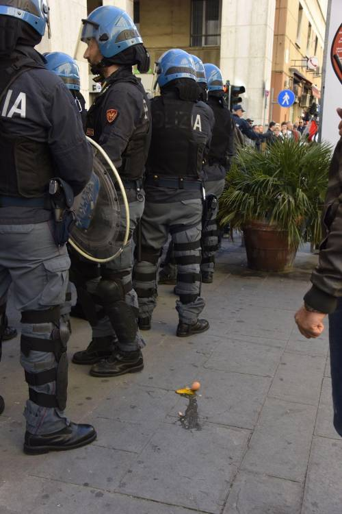 Le contestazioni a Salvini a Livorno 7