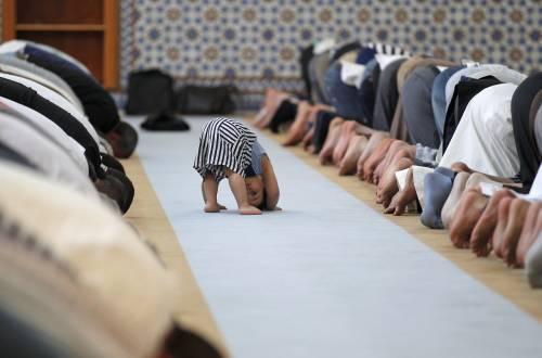 La moschea che aiuta gli italiani poveri e i profughi