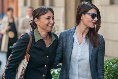 Ilaria D'Amico fa shopping con un'amica 5