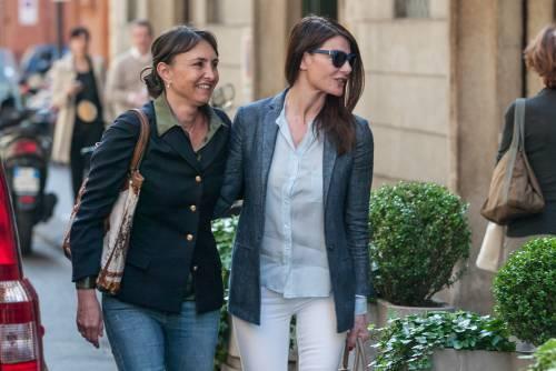 Ilaria D'Amico fa shopping con un'amica 3
