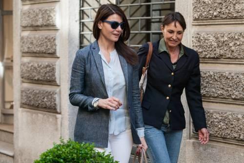 Ilaria D'Amico fa shopping con un'amica 7
