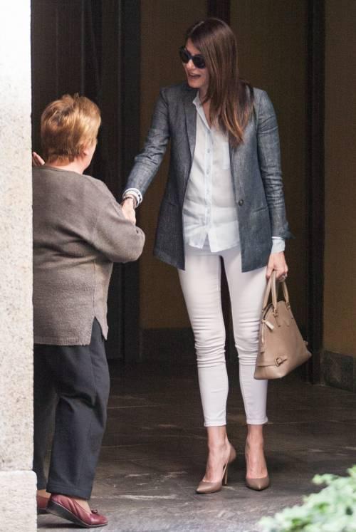 Ilaria D'Amico fa shopping con un'amica 9
