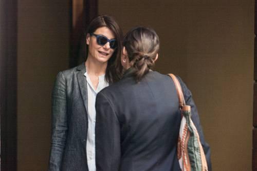 Ilaria D'Amico fa shopping con un'amica 2