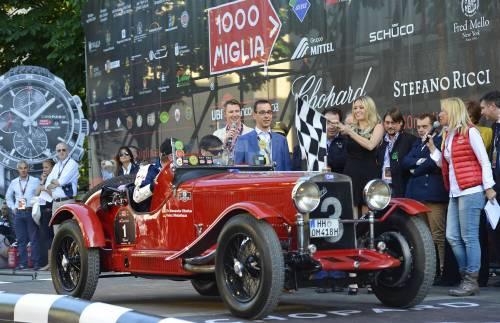 Mille Miglia, la corsa più bella del mondo al via: auto da sogno da 42 Paesi