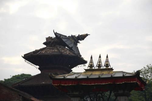 Un forte terremoto ha scosso il Nepal 6