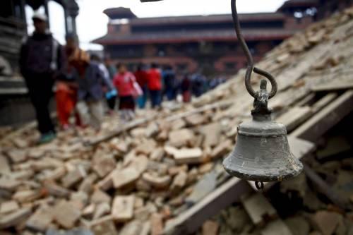 Un forte terremoto ha scosso il Nepal 1