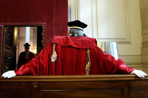Diffamare i giudici o i politici è più grave che diffamare le persone comuni