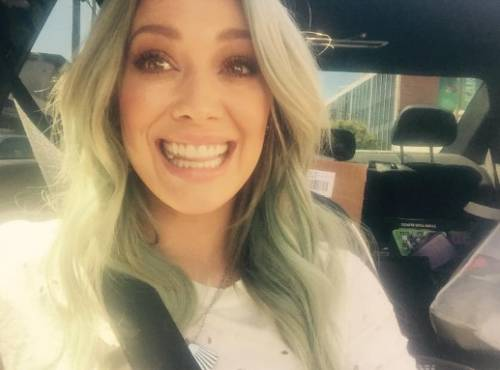 Hilary Duff cerca su Tinder l'anima gemella 6