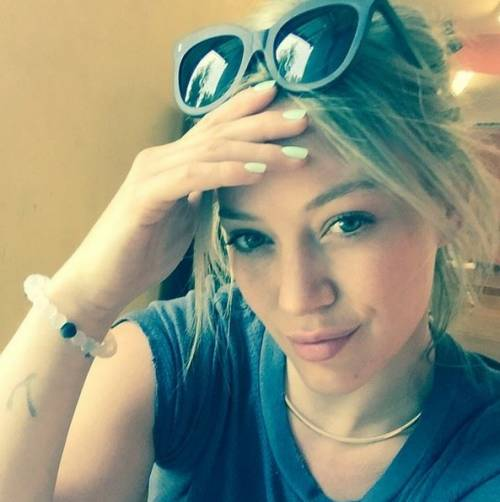 Hilary Duff cerca su Tinder l'anima gemella 9