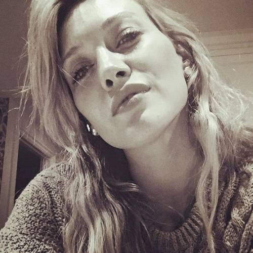 Hilary Duff cerca su Tinder l'anima gemella 10