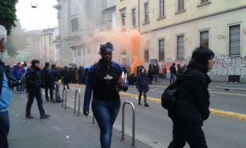 La distruzione dopo la prima carica dei Black Bloc 9