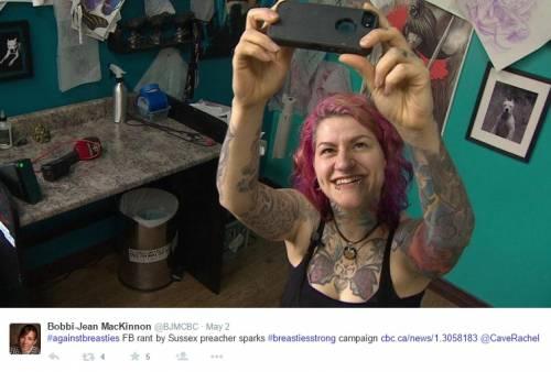 """""""Selfie con seni in vista, una sconfitta per le donne"""": proteste sul web 4"""