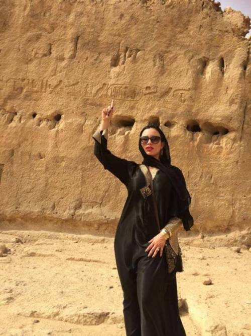 Carmen De Luz, scatti hard tra le piramidi 9