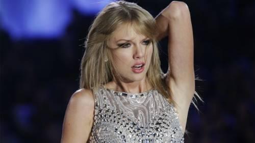 """Taylor Swift in Italia, petizione dei fan per il """"1989 World Tour"""" 3"""