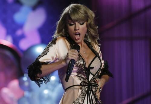 """Taylor Swift in Italia, petizione dei fan per il """"1989 World Tour"""" 11"""