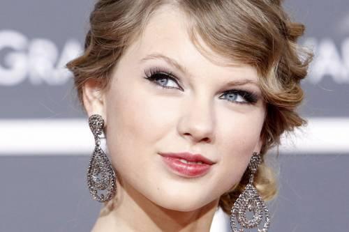 """Taylor Swift in Italia, petizione dei fan per il """"1989 World Tour"""" 9"""