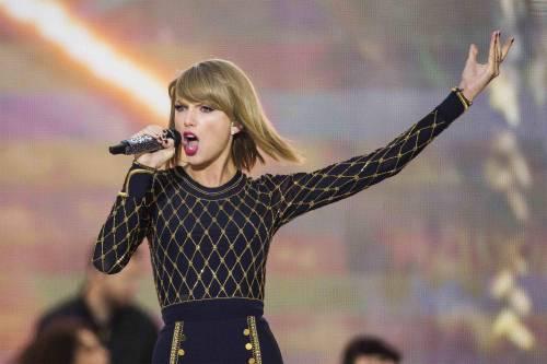 """Taylor Swift in Italia, petizione dei fan per il """"1989 World Tour"""" 25"""
