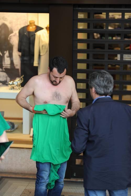 La vestizione di Salvini 2
