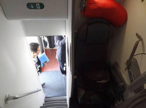 Ecco dove dormono le hostess sugli aerei 5