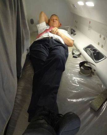Ecco dove dormono le hostess sugli aerei 8