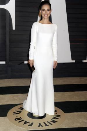 Natalie Portman e il marito Benjamin Millepied  24