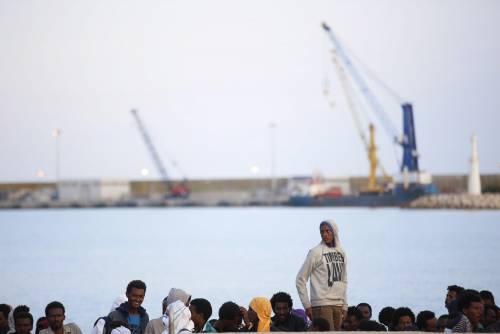 Pozzallo, autorizzato lo sbarco dei 100 migranti della Maersk