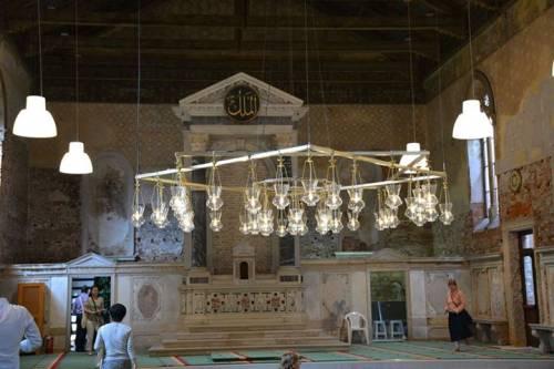 Chiesa trasformata in moschea: ecco le immagini dall'interno 5