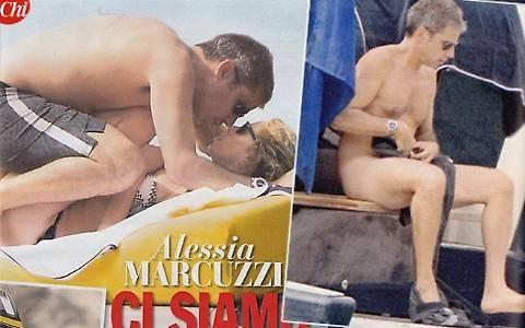 Alessia Marcuzzi, sexy massaggio al marito in barca 2
