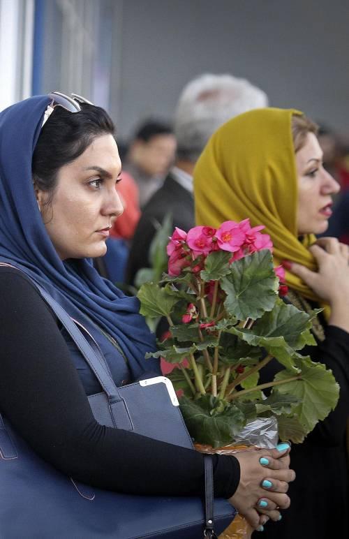 Niente più carcere per chi osa sfidare il velo a Teheran