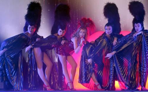 Kylie Minogue, la sexy principessa del pop 5