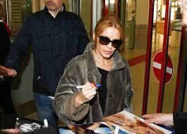 Kylie Minogue, la sexy principessa del pop 9