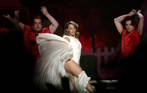 Kylie Minogue, la sexy principessa del pop 15