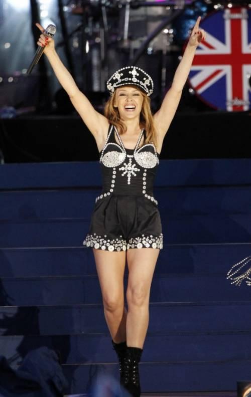 Kylie Minogue, la sexy principessa del pop 17