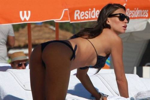 Claudia Galanti, sexy foto a Porto Cervo 4