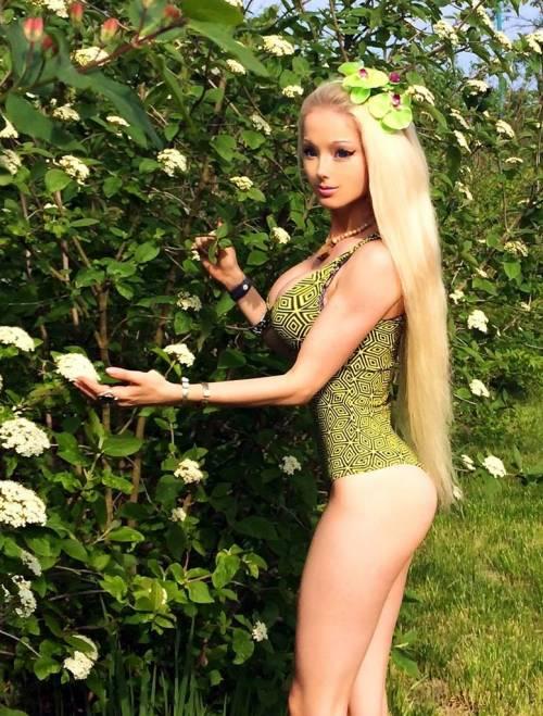 Valeria Lukyanova, la Barbie umana 21