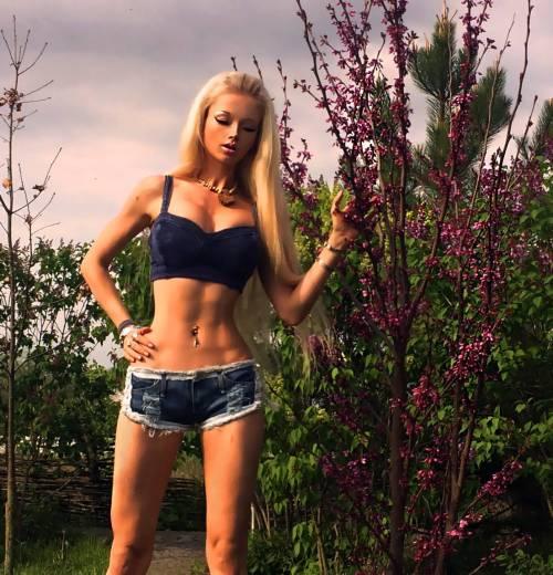 Valeria Lukyanova, la Barbie umana 29