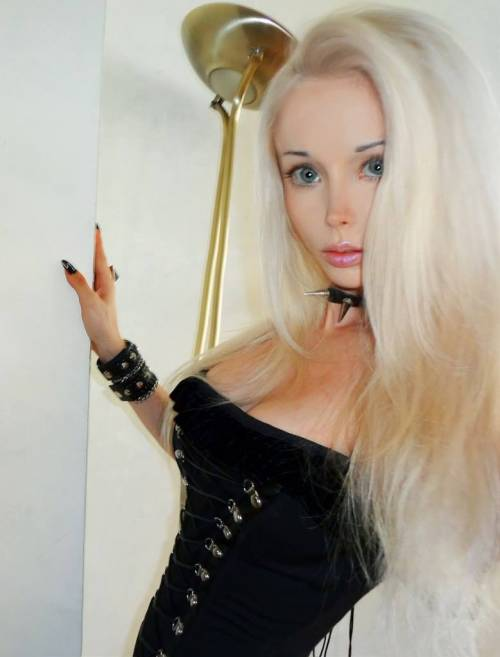 Valeria Lukyanova, la Barbie umana 38