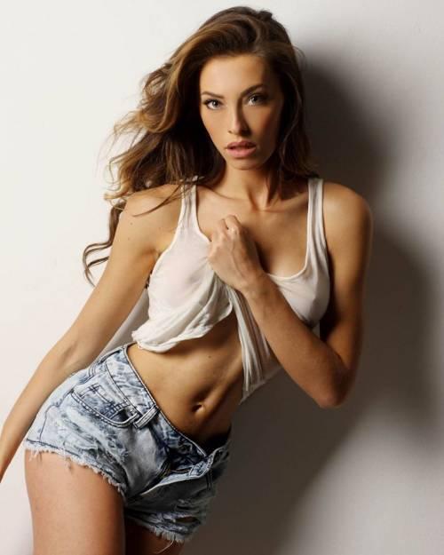 Alessia Tedeschi, la sexy modella che ha conquistato Cristiano Ronaldo 6