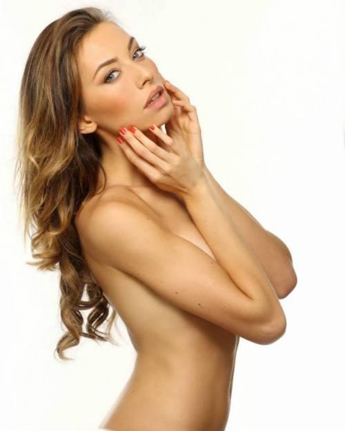 Alessia Tedeschi, la sexy modella che ha conquistato Cristiano Ronaldo 15