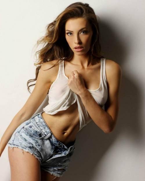 Alessia Tedeschi, la sexy modella che ha conquistato Cristiano Ronaldo 16