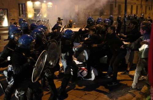 Segrate, Salvini attaccato dagli antagonisti 5