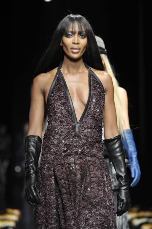 Naomi Campbell, 45 anni da Venere Nera 17