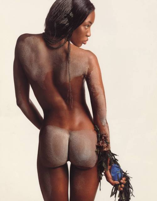 Naomi Campbell, 45 anni da Venere Nera 21